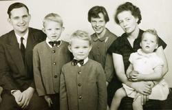 Familien Nilsen, mor fra Smedsland, Grindheim.