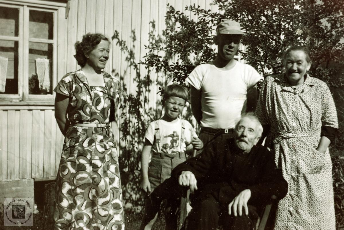 Familiebilde Håland i Grindheim Audnedal.