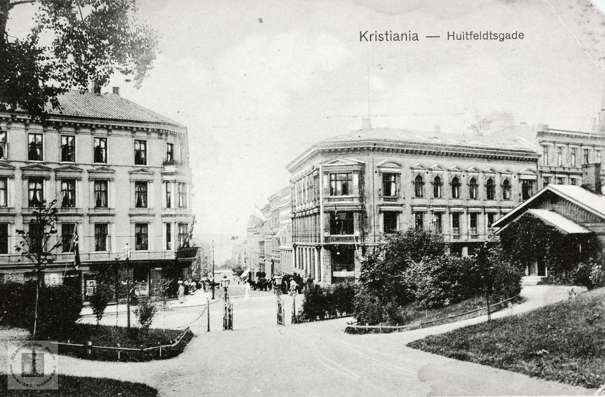 Prospektkort fra gateparti i Oslo.