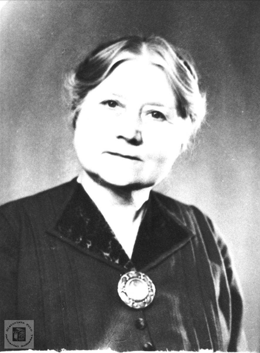 Portrett av Guri Trygsland, Bjelland.