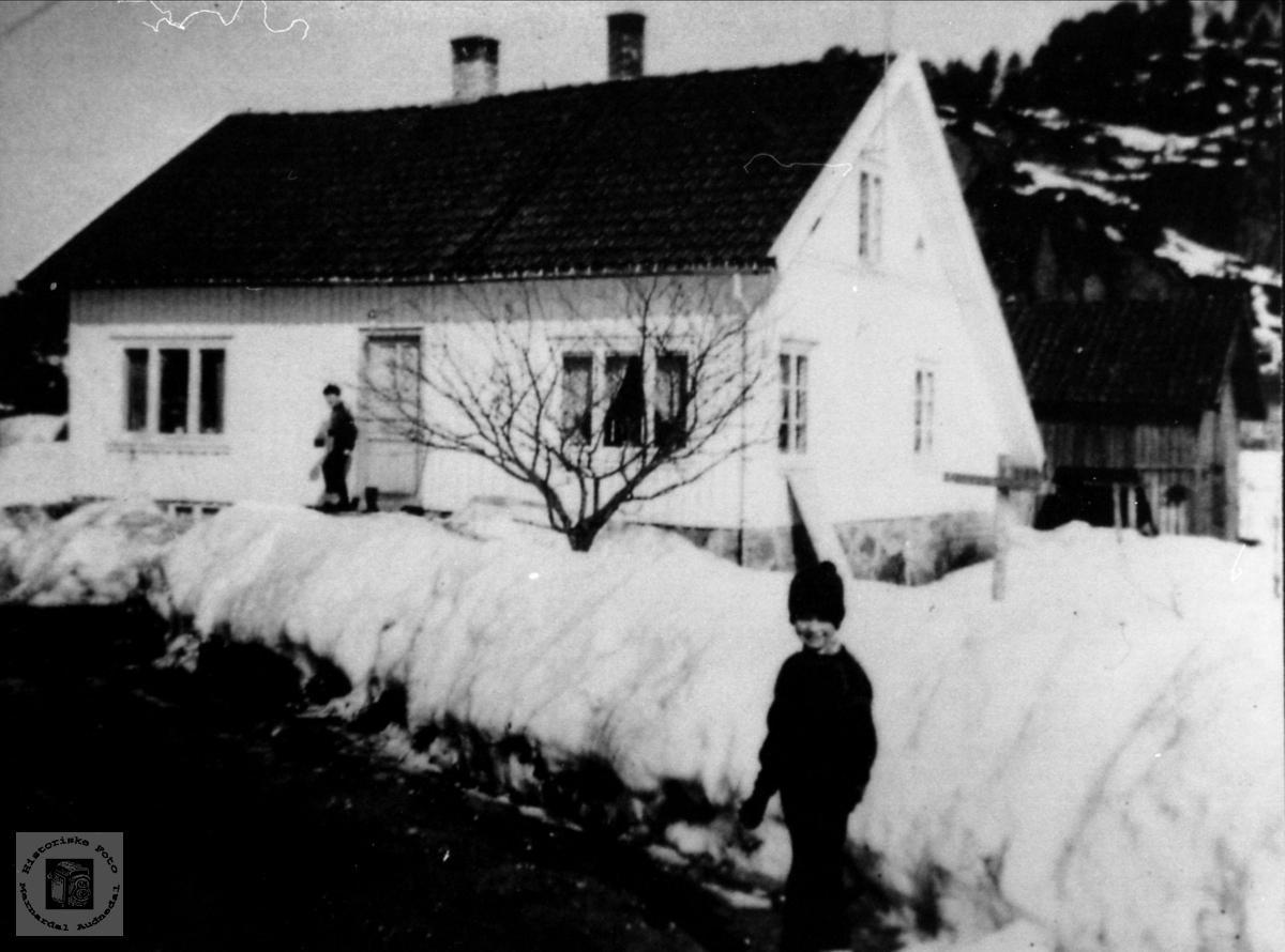 De gamle hus og uthus på Gardækra, Laudal.