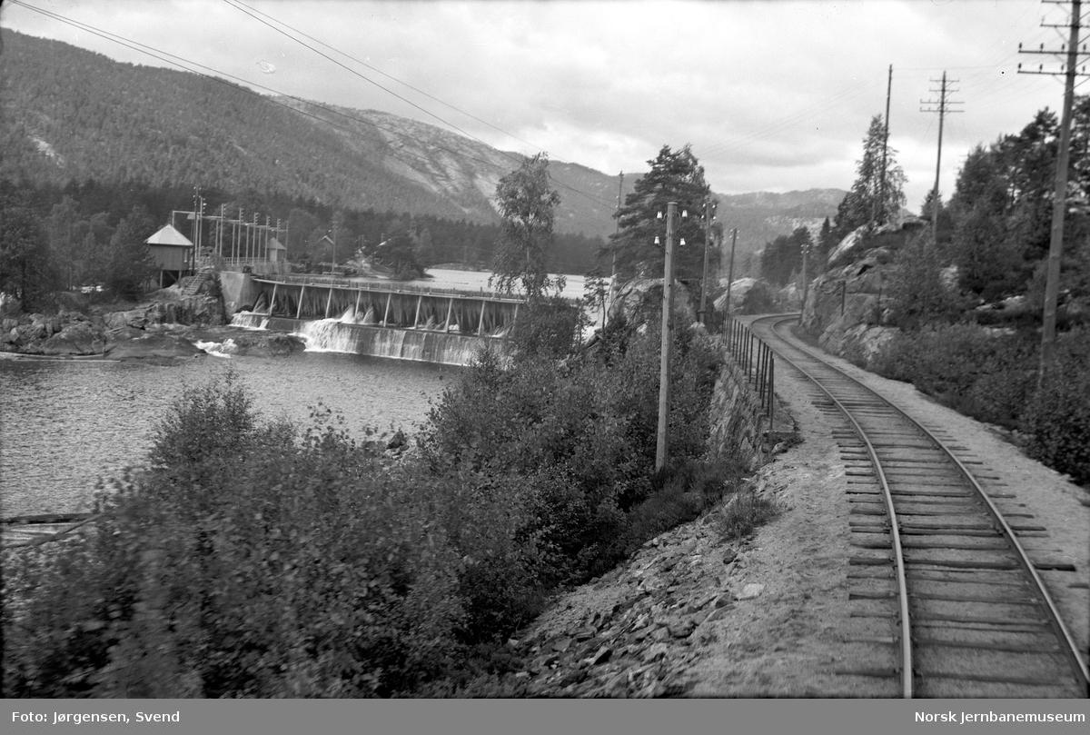 Jernbanen ved Reguleringsdammen