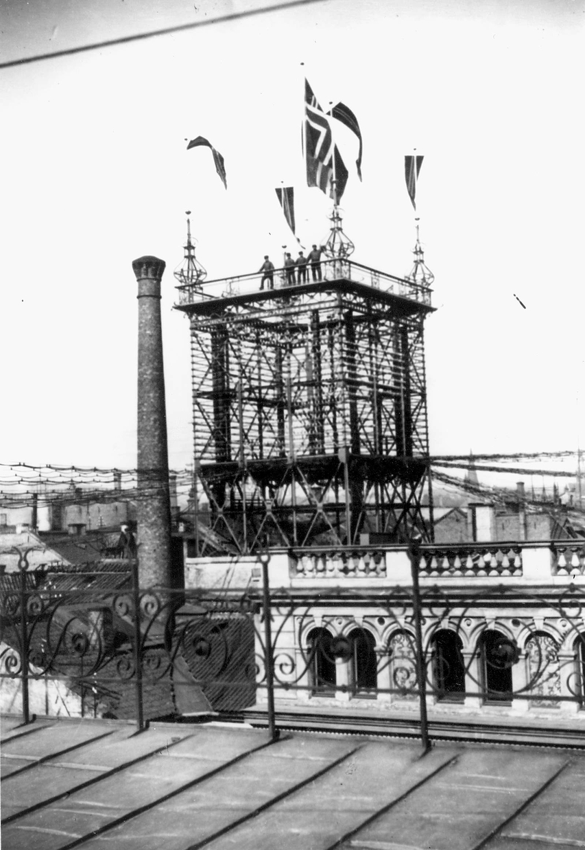 Telefontårnet til Christiania Telefonselskab, Nedre Slottsgt. 12 : tårnet ble revet i 1926