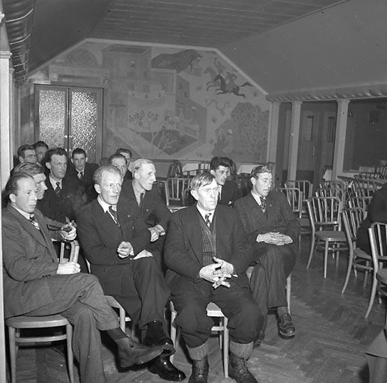"""Enligt notering: """"Småfiskaremöte 1/3 1947""""."""