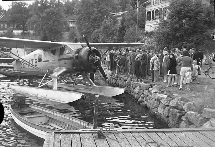 """Enligt notering: """"Flygbrand Gustafsberg 14/7 1948""""."""