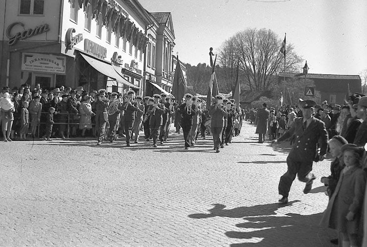 """Enligt notering: """"1 maj firande 1/5 1949""""."""