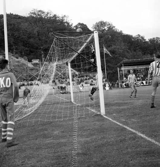 """Enligt notering: """"Fotboll Oddevold - Tyskt lag 9/6 -59""""."""
