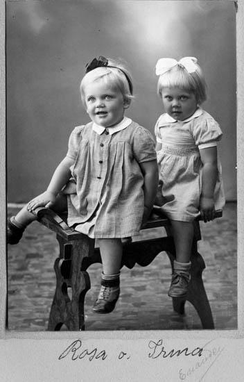 Möjligen tvillingarna Rosa och Irma Bohlin