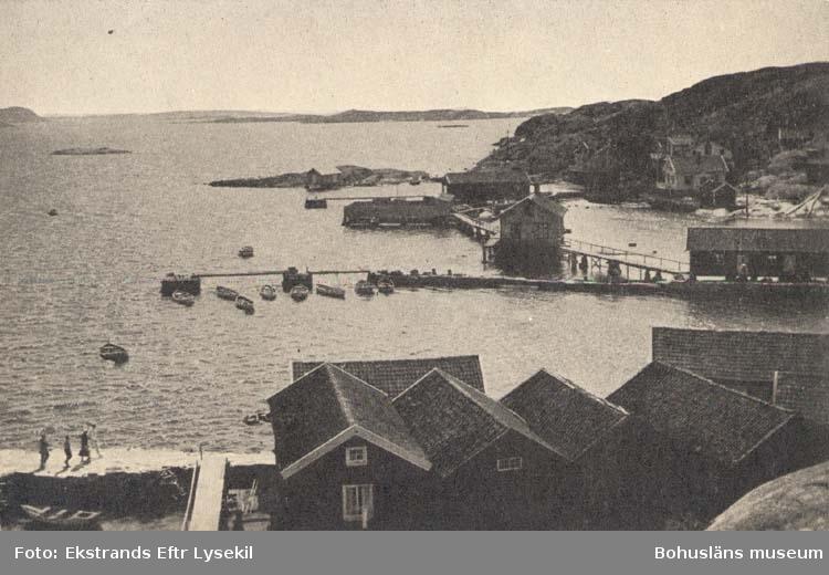 """Tryckt text på kortet: """"Utsikt från Terrassen, Strandhotellet, Gåsö."""""""