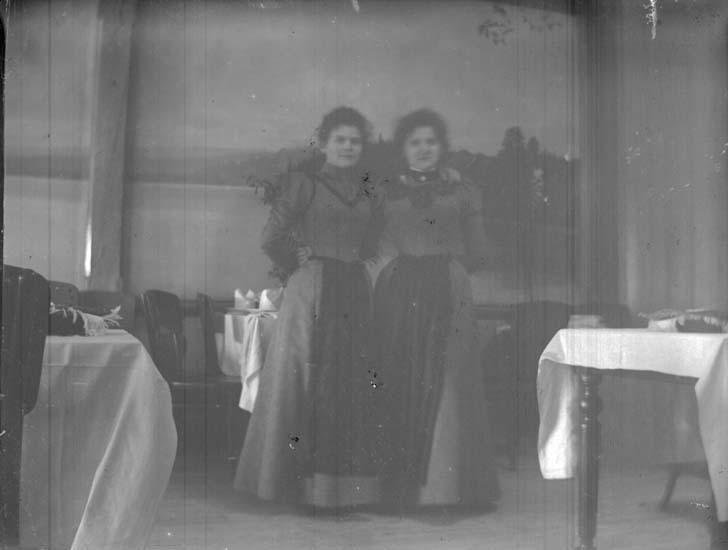 """Enligt text som medföljde bilden: """"Lysekil, L.V. R.F. 1898""""."""