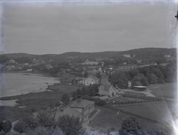 """Ljungskile. Västkustens ungdomsskola omkring 1925 Rektor He"