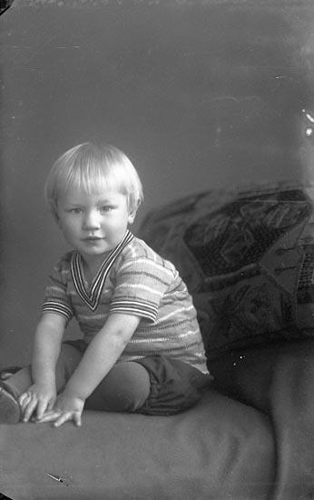 """Enligt fotografens journal nr 4 1918-19922: """"Nilsson, Märta Åketorp Spekeröd""""."""