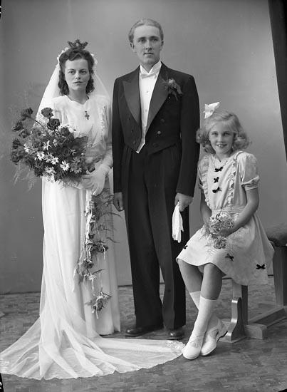 """Enligt fotografens journal nr 7 1944-1950: """"Svensson, Herr Birger Kode Järnvägsst""""."""