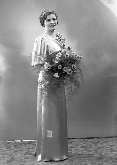 """Enligt fotografens journal nr 6 1930-1943: """"Göthlén, Notarie Stenungsund""""."""
