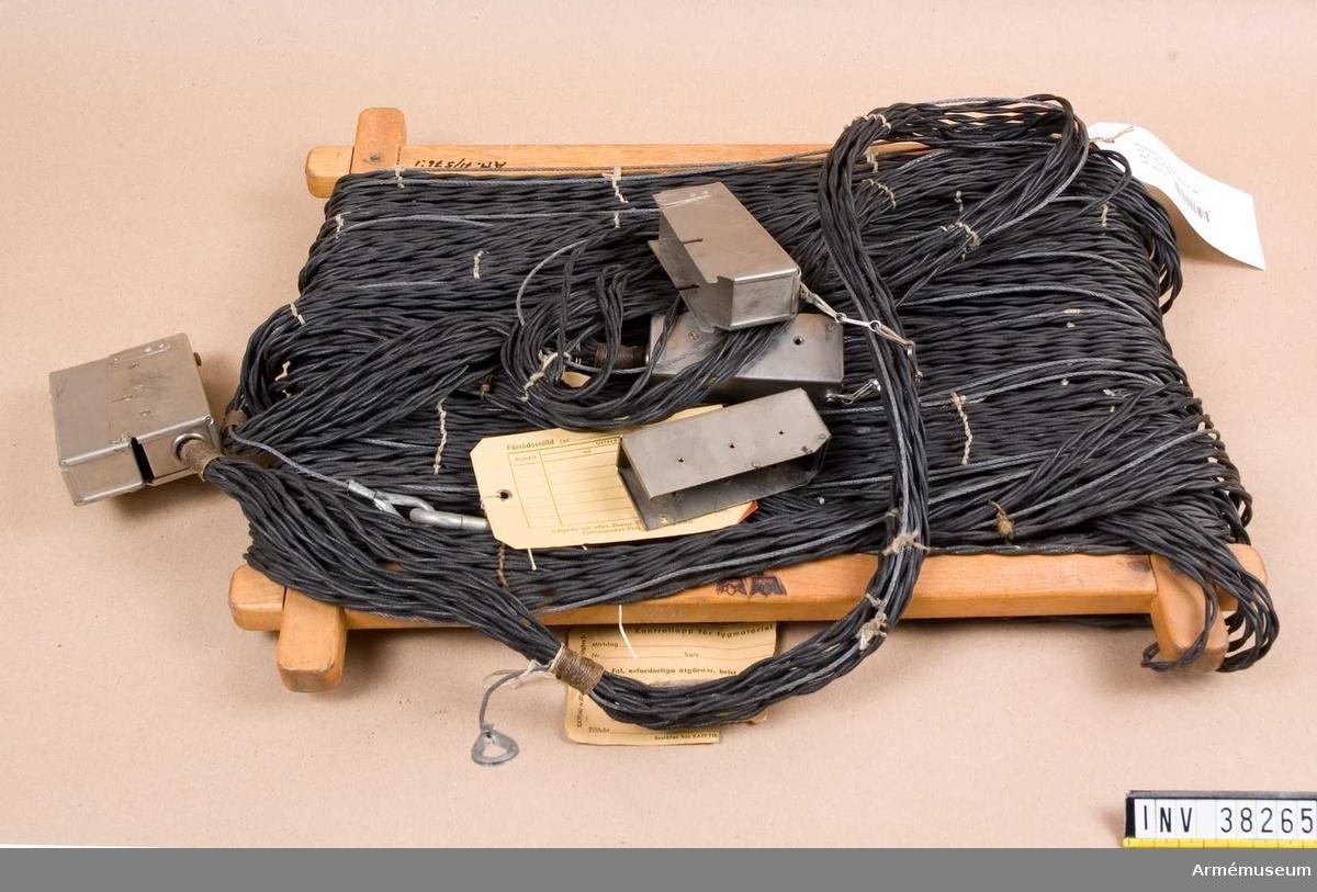 Grupp H I.  20 m. Tc 29006.  Samhörande nr AM.038264-AM.038265, telefonväxel, kabelvinda.