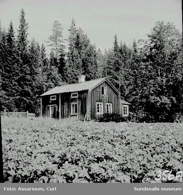 Skogsvaktarbostället fr. 1700-talet, med norrkammaren kvar.