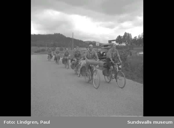 Finska scouter  på cykelläger.