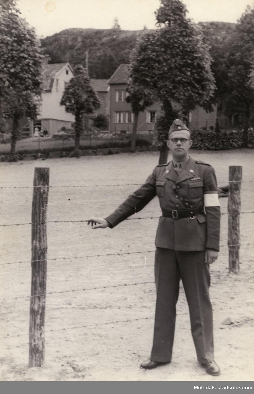 """""""Karantänsförläggning"""" på Kvarnbyskolan för flyktingar från koncentrationsläger i Tyskland 1945. Röda Kors arbetare vid förläggningen."""