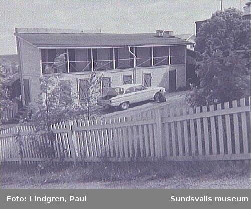 Thulegatan 47. Uthus med svalgång eller torkveranda. Ett typiskt uthus bland den äldre bebyggelsen på Södermalm.