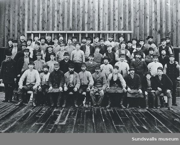 Sågverksarbetare vid okänt sågverk.