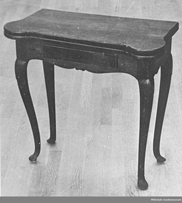 Ett bord.