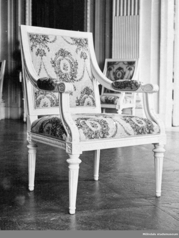 Stol, tillhörande bild: 1995_0991. Gunnebo slott 1930-tal.