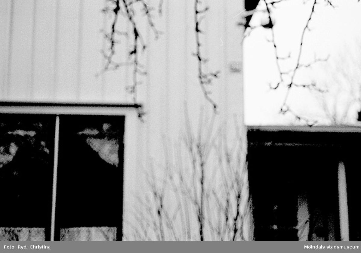 Yngeredsfors kraft AB tvingades köpa tomt och hus sedan de hade byggt en kraftledning alltför nära tomten.