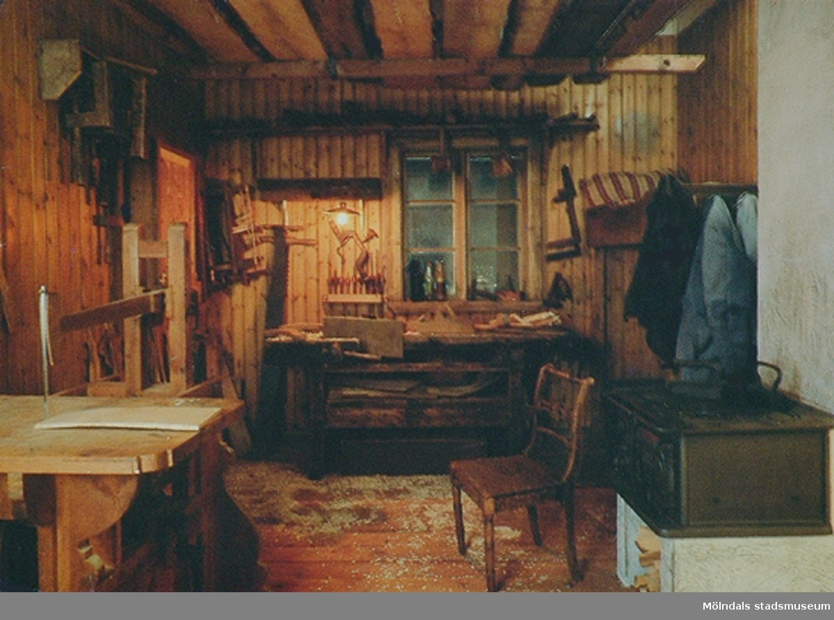 Lindomesnickeriet var en del av museets basutställning t.o.m. år 2001.