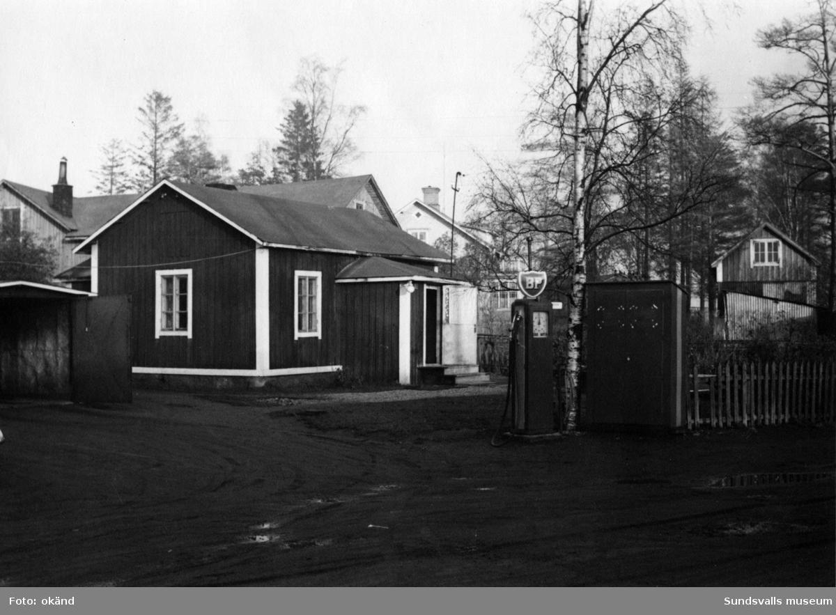 BP-stationen Stockviksverken, Njurunda. Köpman: Taxiägare Torsten Andersson.