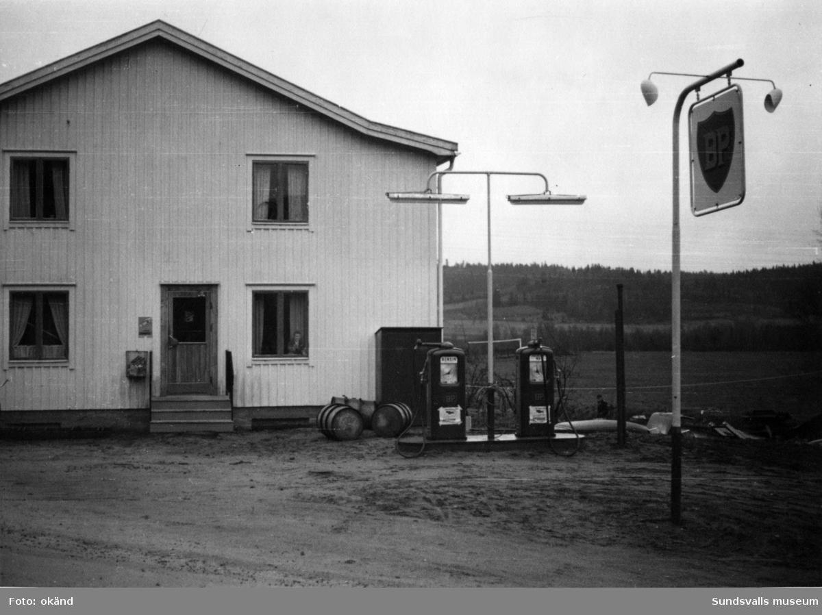 BP-stationen Torrom, Nora Ström. Köpman: Lennart Fröhlén.