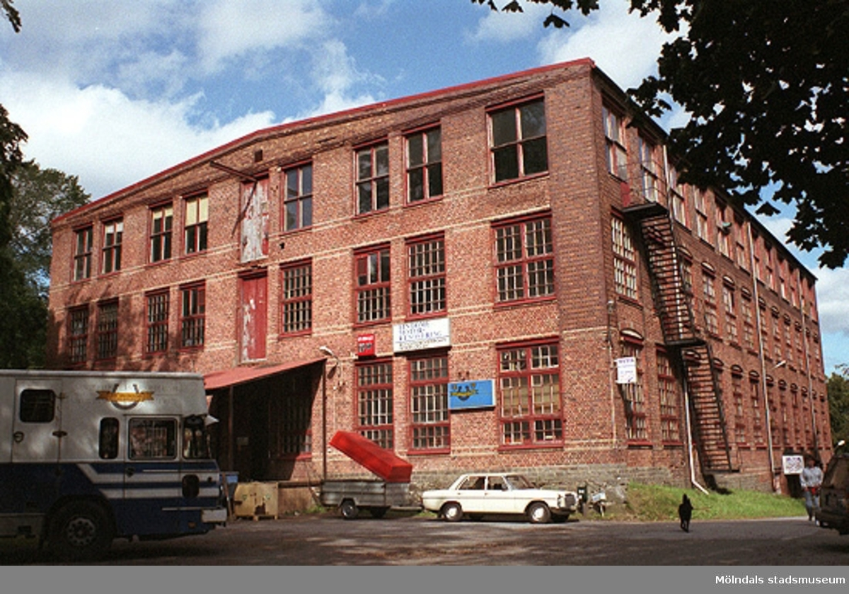Werners fabriker/Annestorp 3:30, Lindome. Från väster. 1998-08-19.