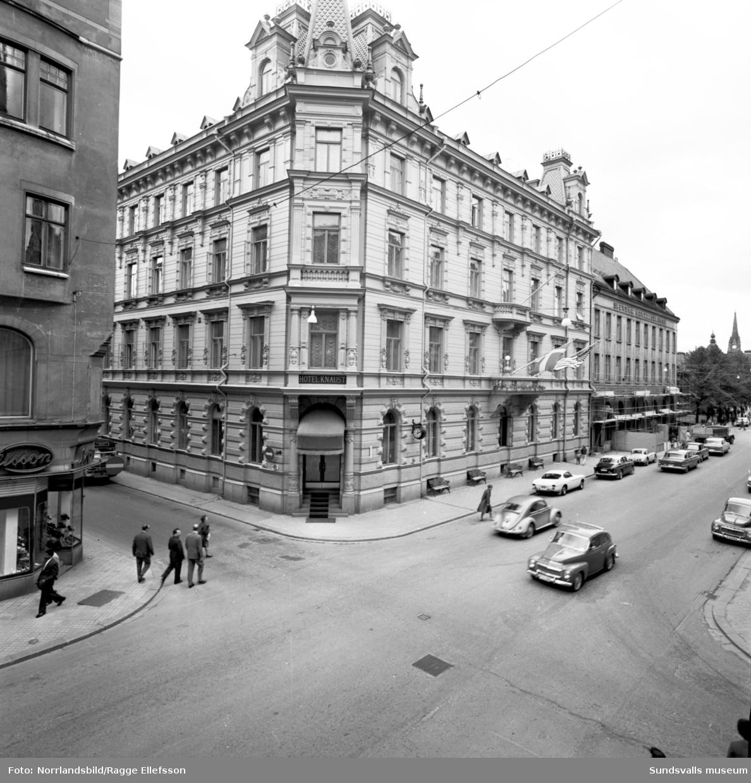 Exteriörbilder av Knaust vid Storgatan i Sundsvall.