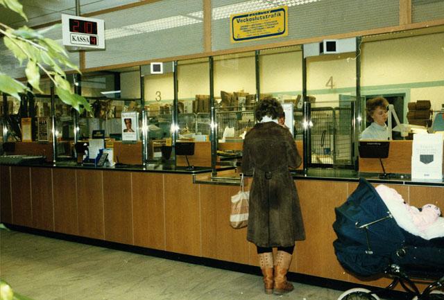 Postkontoret 700 13 Örebro Poesigatan 20E