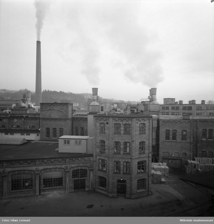 Byggnad nr 9, 10 och 11 på Papyrus i Mölndal, 5/12 1963.