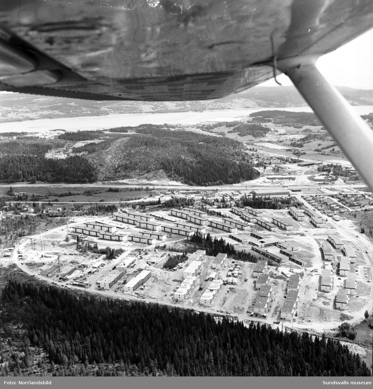 Flygfoton över byggnationer vid Bågevägen i Bosvedjan.