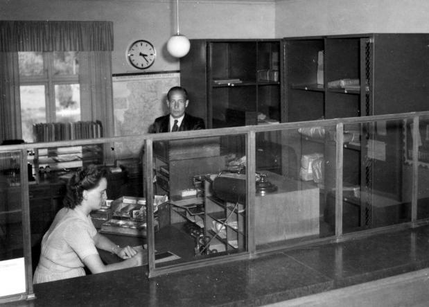 Till herr postdirektören m.m. Gustaf Adolf Sundman från Nedre Norra Kretsen av Sveriges Poststationsföreståndareförening, 1947-12-05.