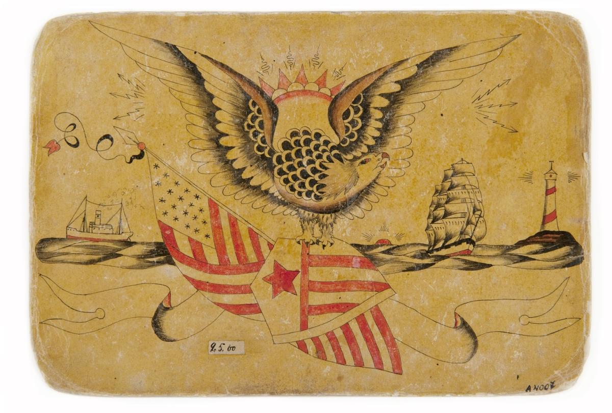 Tatueringsförlaga. I mitten en örn med en amerikansk sköld och en amerikansk flagga i klorna samt en sol i bakgrunden. Till vänster ett ångfartyg, till höger ett segelfartyg och ett fyrtorn. Underst en banderoll utan påskrift.