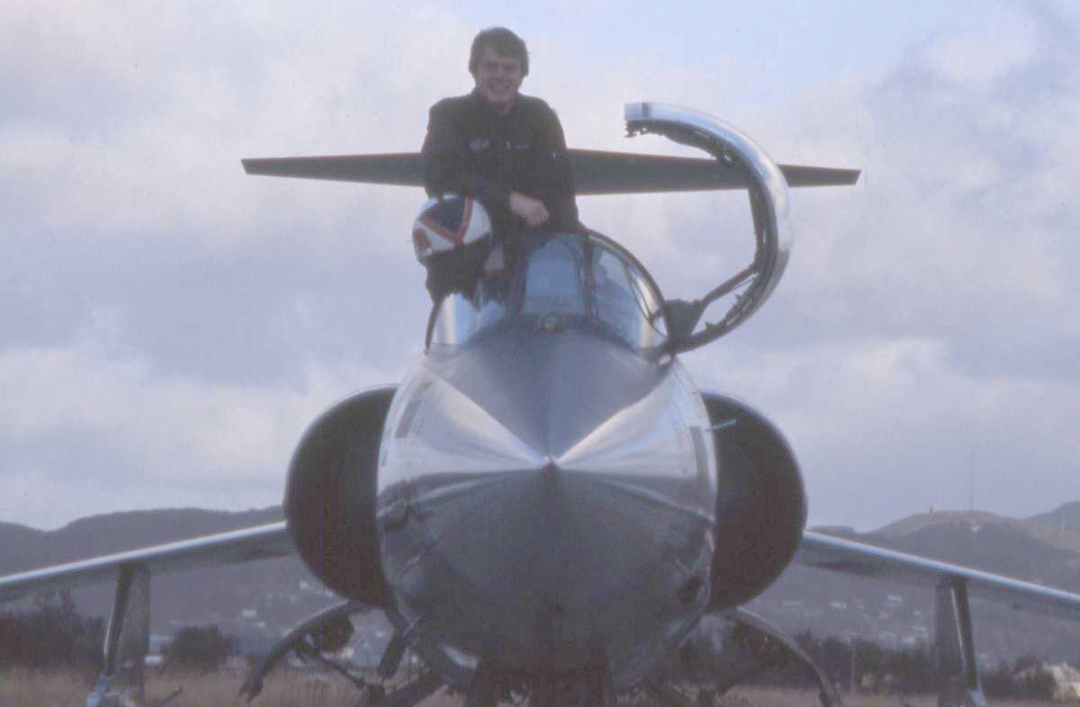 Norsk fly av typen F-104G Starfighter med en person i cockpit'en.