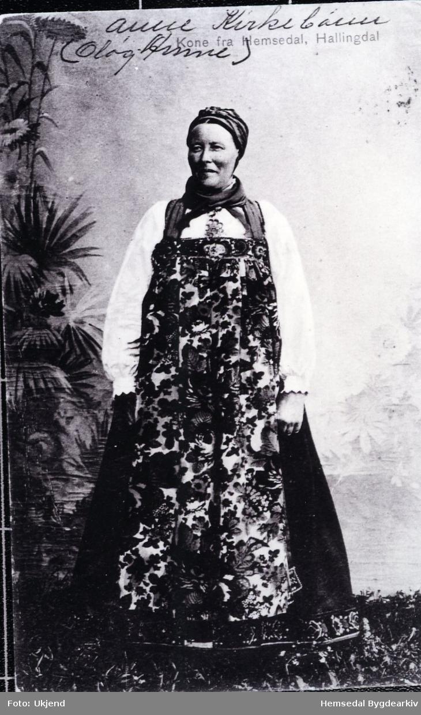 Anne Kirkebøen, gjerne kalla Oløg-Anne, frå Hemsedal.