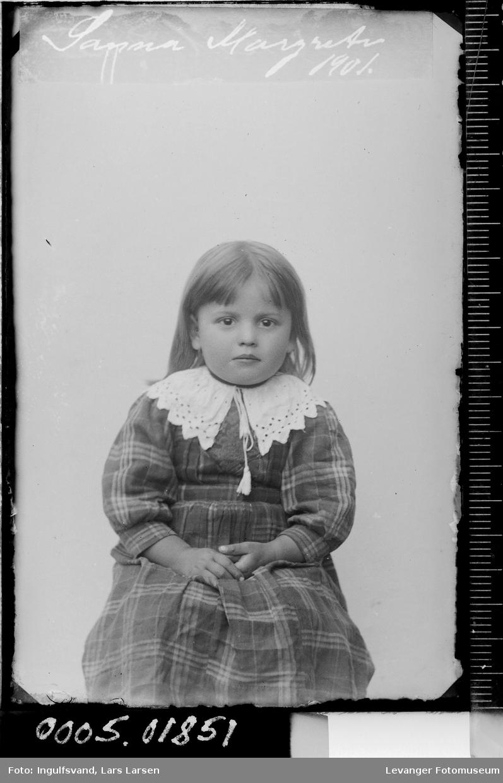 Portrett av en jente, fotografens datter.