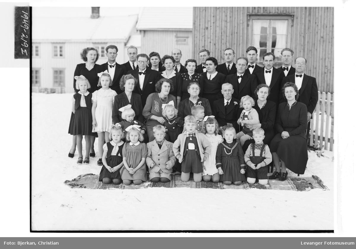 Karl L. Brenne med familie