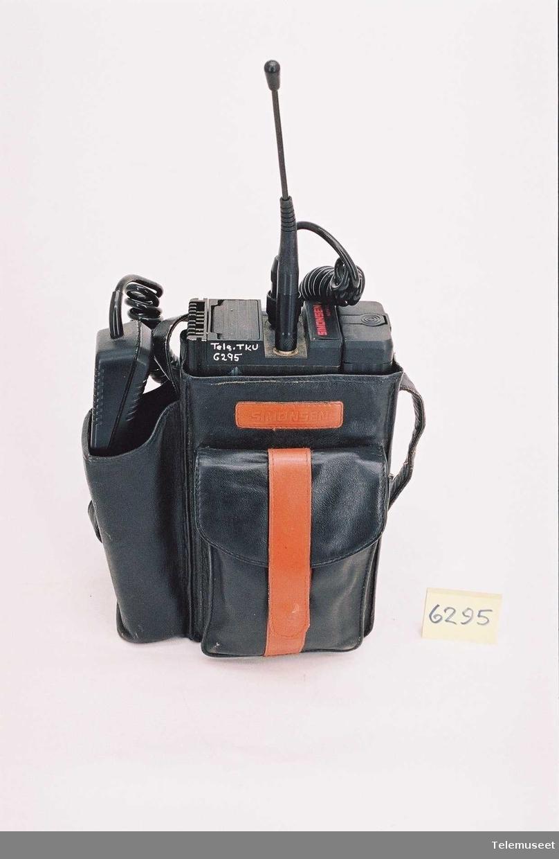 Type 752 - 70A Serie nr: 4398 Ab.nr. 48436 Batteri: Type 771-9   2Ah 9,6V Kabel for bruk i bil med adapter NiCd type 712-22