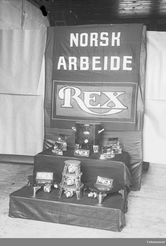 Utstilling av samtlige Rex apparater, varmeovn, kokeplater, strykejern 1924, Elektrisk Bureau.