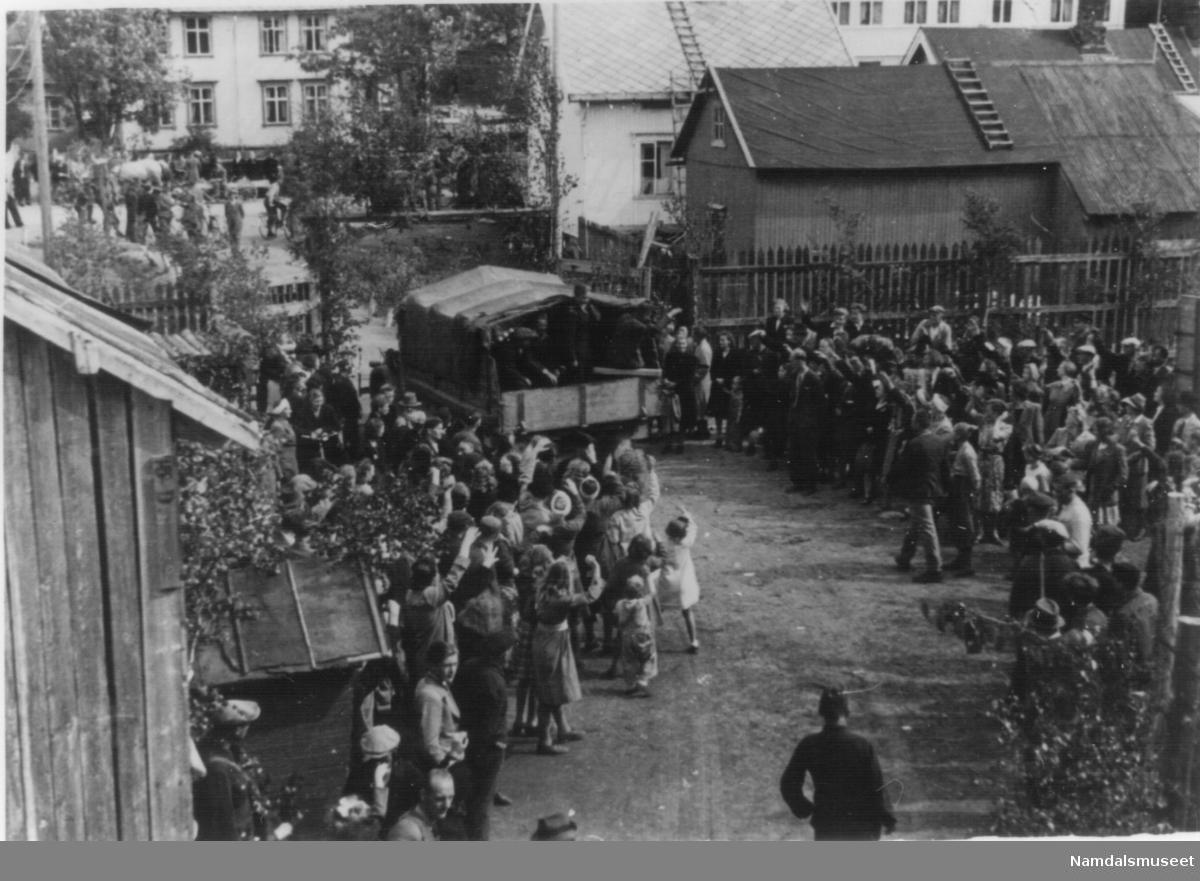 Mai-juni 1945. Fra avskjedsfesten for de russiske krigsfangene i fangeleiren i Iderettens hus i Overhallsveien.