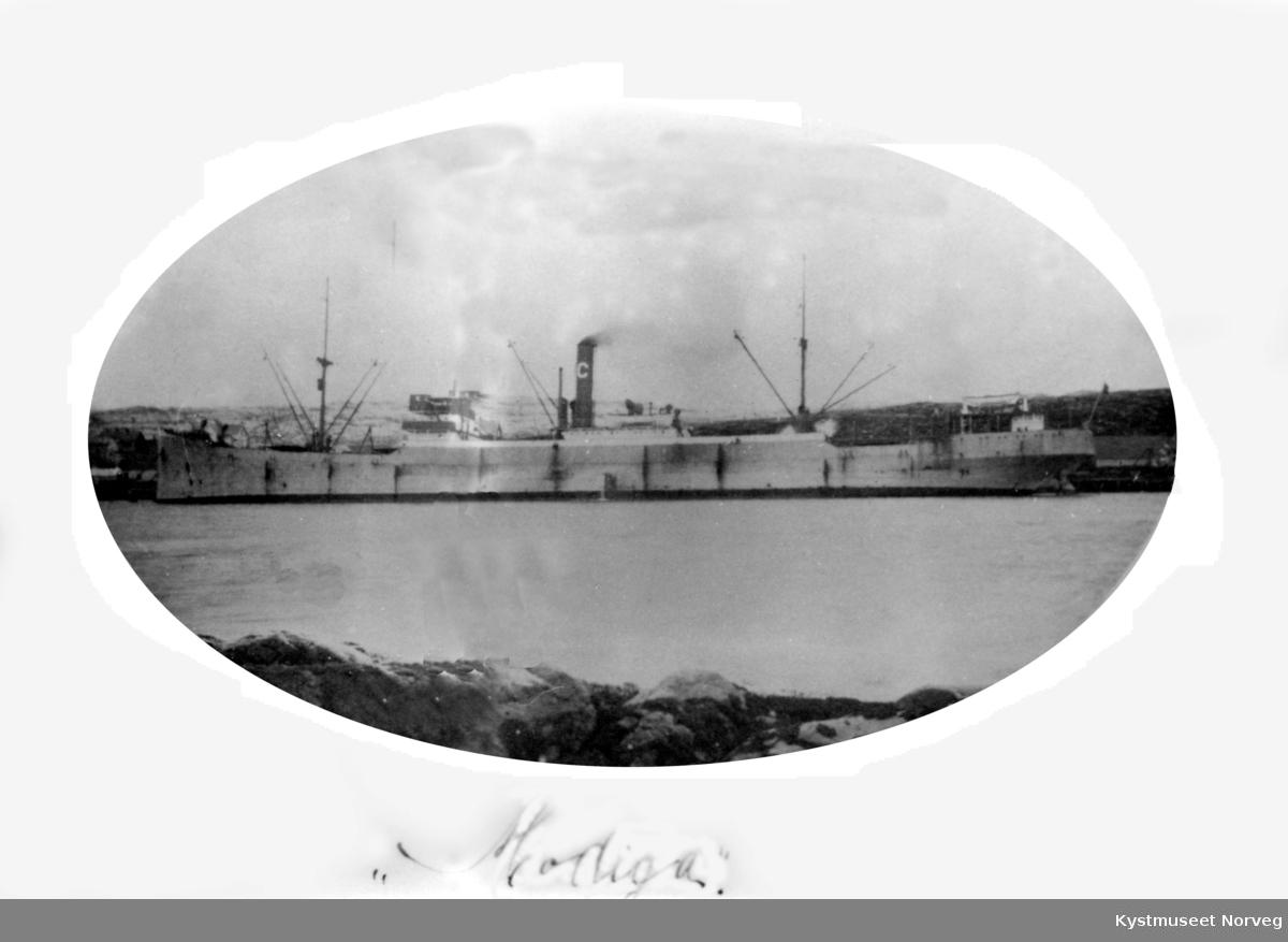 Kullbåt ved Fossaakaia på Rørvik