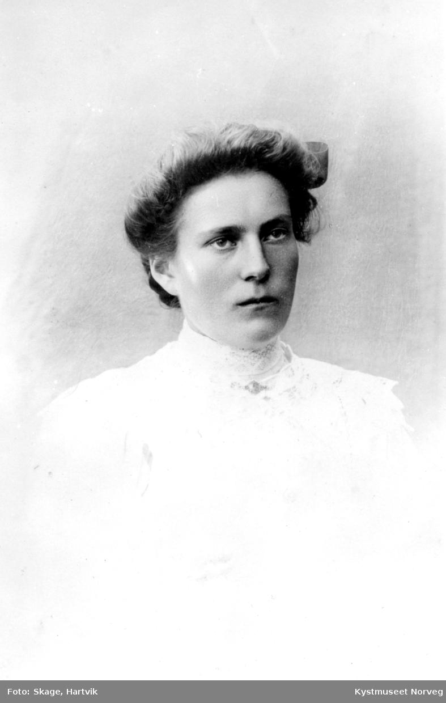 Julie Skage