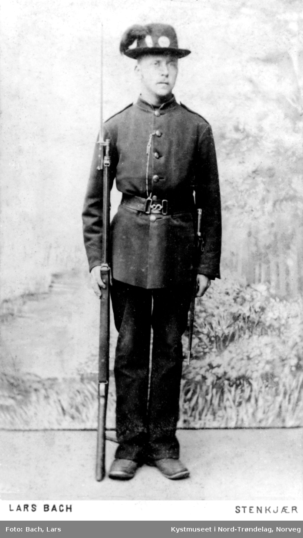 Anton Hansen Dragvik som soldat