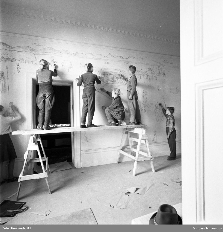Interiörbilder av Sundsvalls museum med personal fotograferat för ett reportage i Dagens Nyheter.
