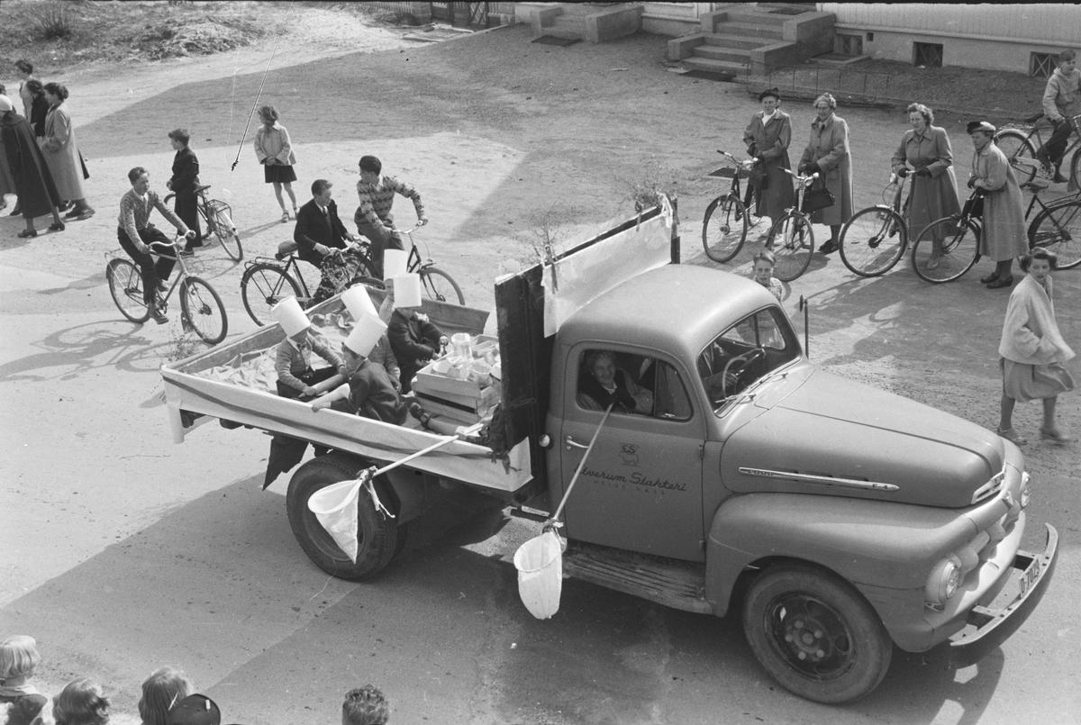 Barnas dag. Elverum.  1955.