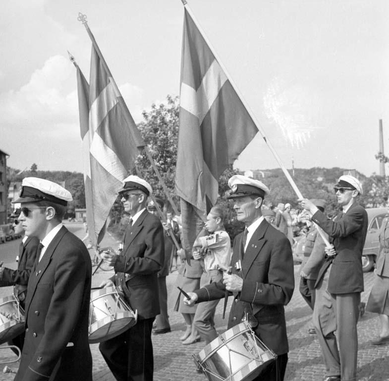 """Enligt notering: """"Svenska Flaggans Dag 6 Juni -60""""."""